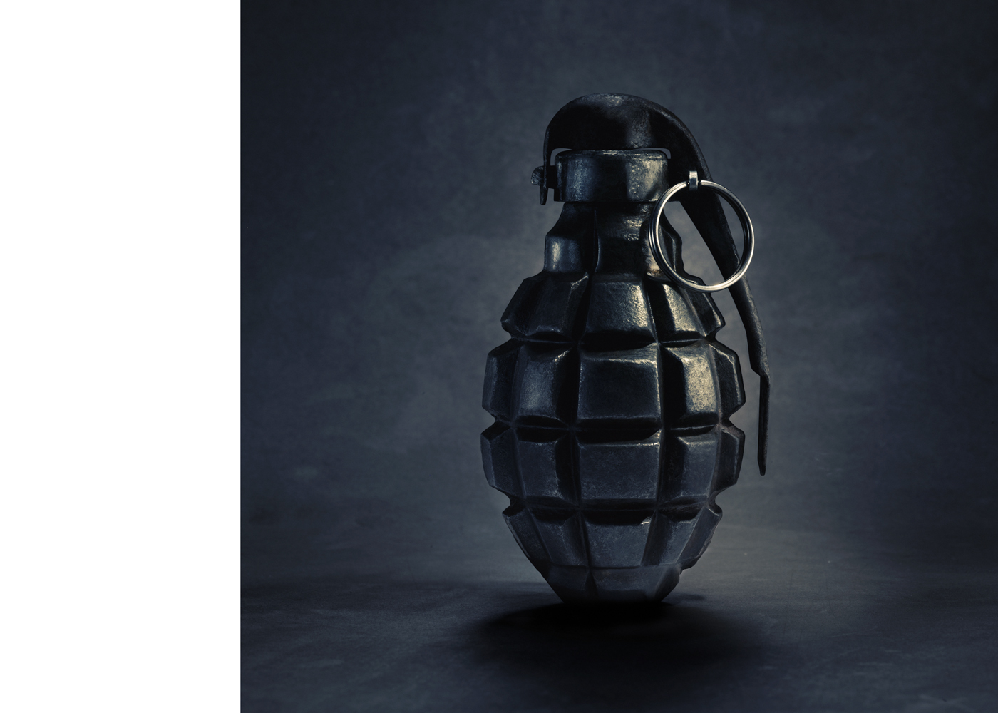 grenade dark sublte colour